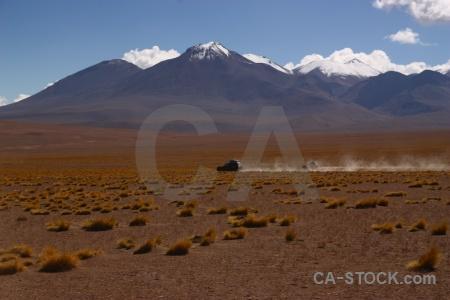 4x4 cloud vehicle siloli desert grass.