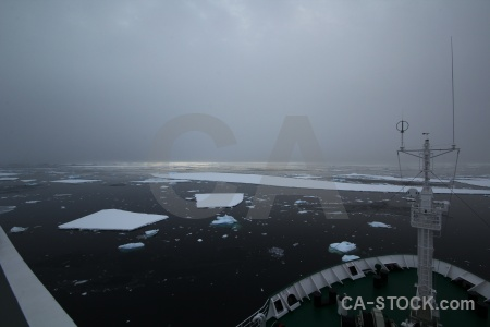 Akademik ioffe south pole sky sea ice fog.
