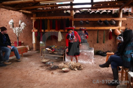Altitude andes chinchero peru wool making.