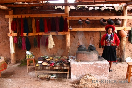 Altitude andes wool making chinchero building.