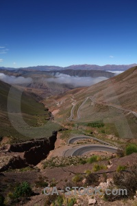 Altitude cloud salta tour andes valley.