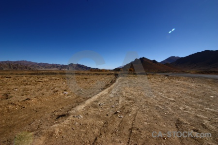 Altitude desert plateau asia arid.