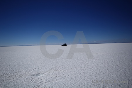 Altitude salar de uyuni car salt 4x4.