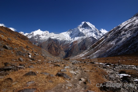 Altitude trek machapuchre annapurna sanctuary snow.