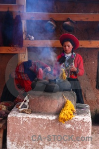 Altitude wool making smoke building chinchero.