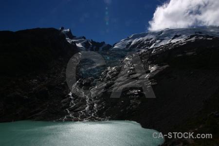 Andes huemul glacier cloud el chalten lake.