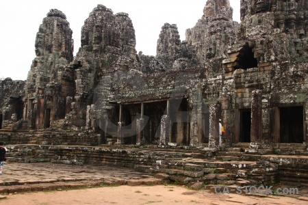 Angkor khmer southeast asia pillar thom.