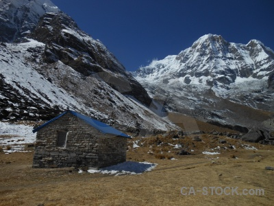Annapurna base camp annapurna south sky modi khola valley building.