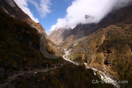 Annapurna sanctuary trek valley sky modi khola himalayan.