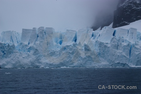 Antarctic peninsula water glacier paradise harbour cloud.