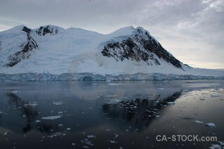 Antarctica ice cloud snow gunnel channel.