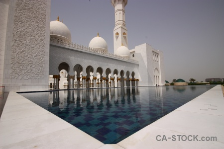 Arabic water building abu dhabi mosque.
