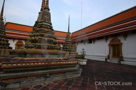 Asia buddhism wat pho building gold.