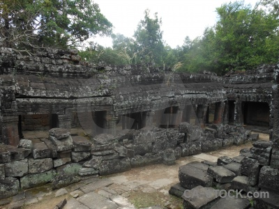 Asia khmer unesco banteay kdei sky.