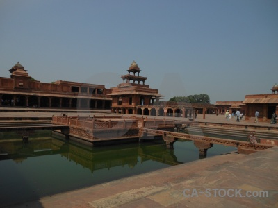 Asia mughal south asia pool fort.