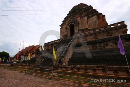 Asia wat chedi luang buddhist watchediluang varaviharn worawihan.