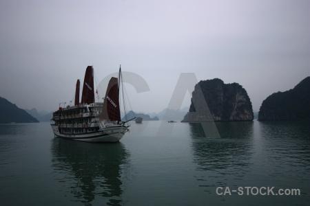 Asia water island unesco junk boat.
