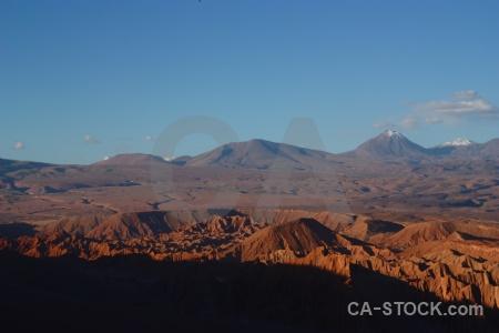 Atacama desert rock valle de la luna san pedro atacama volcano.