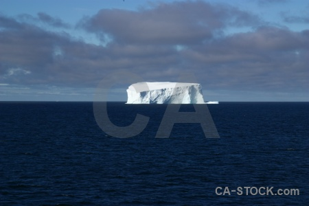 Bellingshausen sea water antarctic peninsula cloud south pole.