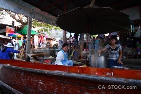 Boat building vehicle market damnoen saduak.