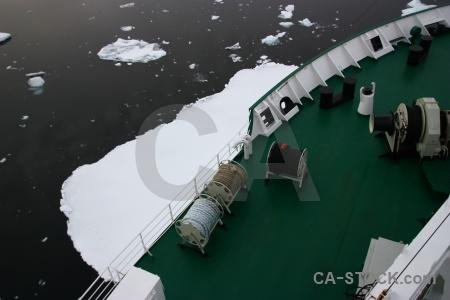 Boat ship day 6 ice sea.
