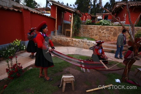 Branch person chinchero andes wool making.