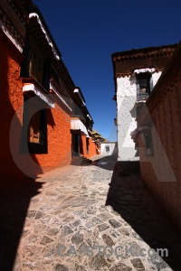 Buddhism asia monastery shigatse china.