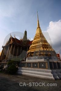 Buddhism southeast asia building palace wat phra si rattana satsadaram.