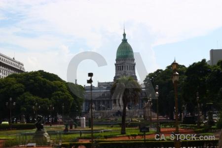 Buenos aires plaza de los dos congresos building del congreso grass.