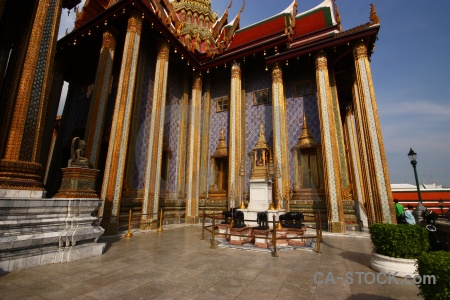 Building bangkok wat phra kaeo grand palace pillar.