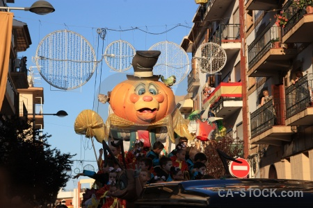 Building javea fiesta float person.