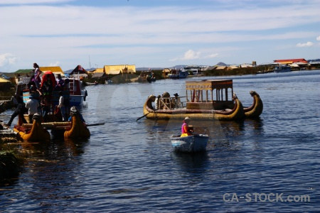 Building lake titicaca floating island uros.