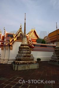 Building wat phra chettuphon wimon mangkhlaram ratchaworama gold sky pho.