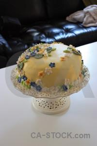 Cake food.