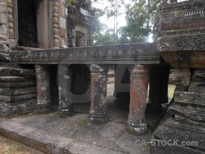 Carving stone angkor column chau say tevoda.