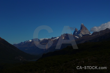 Cerro chalten fitz roy cloud mountain patagonia.