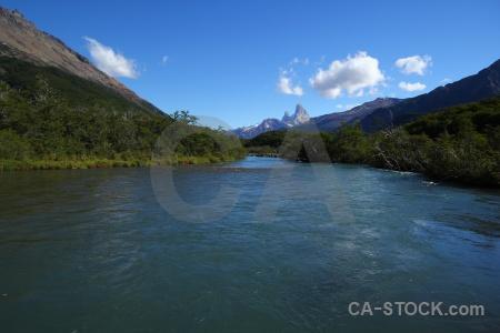 Cerro chalten tree vueltas river sky water.