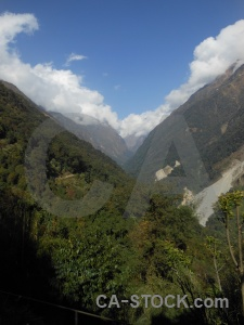 Chhomrong mountain nepal modi khola valley trek.