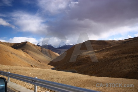 China sky arid friendship highway barrier.