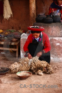 Chinchero peru altitude andes woman.