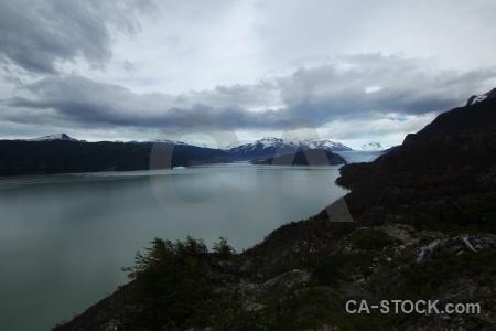 Circuit trek ice iceberg lago grey south america.