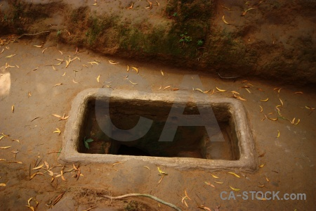 Cu chi tunnels leaf viet cong vietnam hole.