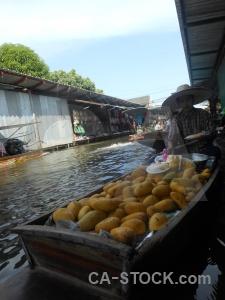 Damnoen saduak canal building southeast asia market.