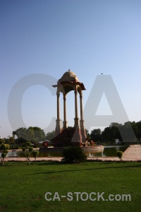 Delhi grass india monument cupola.
