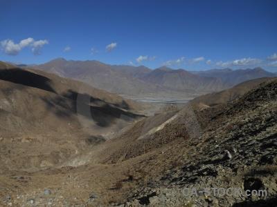 Desert plateau altitude friendship highway asia.