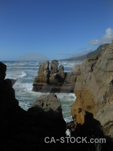 Dolomite point cloud pancake rocks water punakaiki.