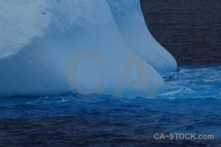 Drake passage antarctica cruise water day 4 iceberg.