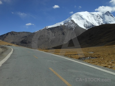 Dry plateau east asia himalayan road.
