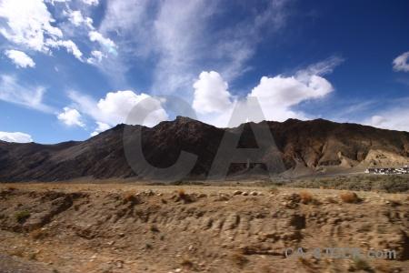 Dry tibet friendship highway altitude china.