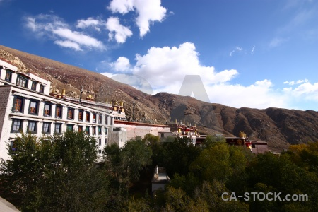 East asia altitude gambo utse tibet buddhist.
